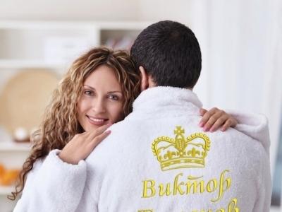 Мужской халат с вышивкой — лучший подарок для мужчины