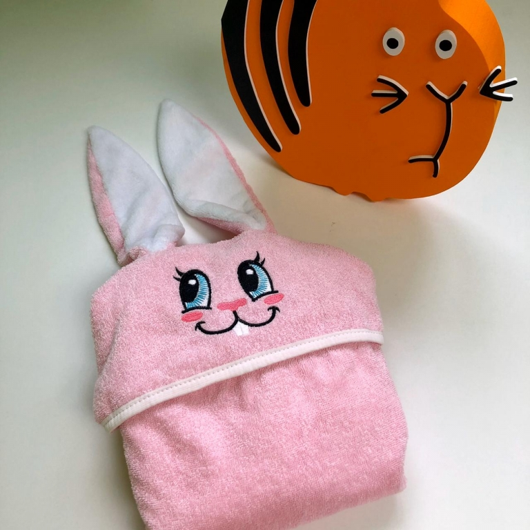 Полотенца Полотенце детское с капюшоном зайки, розового цвета. Размер 130-65.